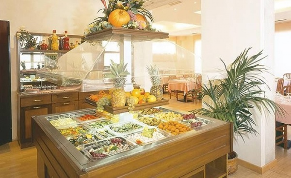 Il Buffet di insalate ed antipasti